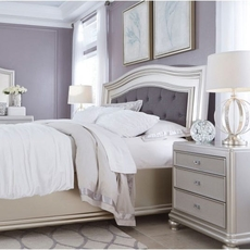 Signature Design by Ashley Coralayne 4 Piece Cal King Bedroom Group