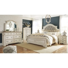 Signature Design by Ashley Realyn Queen Panel 5 Piece Bedroom Set