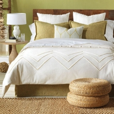 Niche by Eastern Accents Sandler Filly White Hand-Tacked Comforter