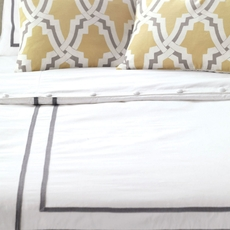 Niche by Eastern Accents Davis Autry White Hand-Tacked Comforter