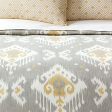 Niche by Eastern Accents Downey Hand-Tacked Comforter