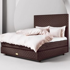 Queen Hastens Marwari Bed at Hastens Detroit