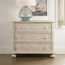 Hooker Furniture Sunset Point 3 Drawer Bachelor Chest in White