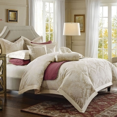 Hampton Hill Candlelight Queen Comforter Set by JLA Home