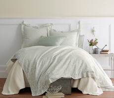 Peacock Alley Marcella Jacquard Queen Duvet Cover in Mist
