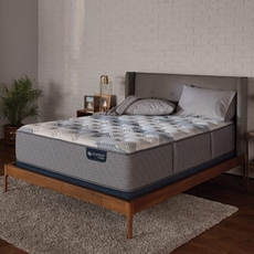 King Serta iComfort Hybrid Blue Fusion 200 Plush 13.5 Inch Mattress Only SDMB092043 - Scratch and Dent Model ''As-Is''