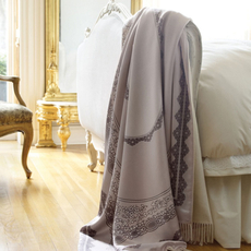 SFERRA Alina Fringed Throw