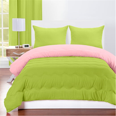 SIS Covers Crayola Full/Queen Reversible Comforter Set in Spring Green and Tickle Me Pink