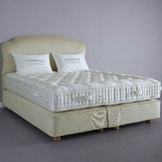 Clearance Vispring Regal Superb Medium Queen Mattress with Foundation Set SDMS0919RO3